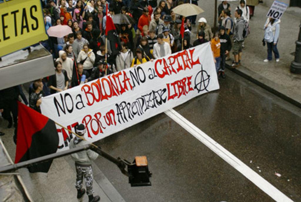 Representación del sindicato de Enseñanza de CNT en Madrid en la manifestación del pasado jueves 8 de mayo